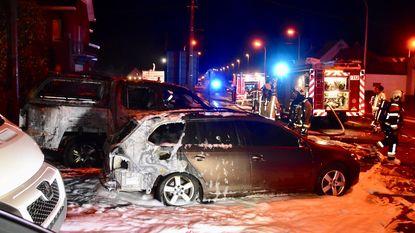 Vier auto's beschadigd na brandstichting op terrein van Astiac Cars