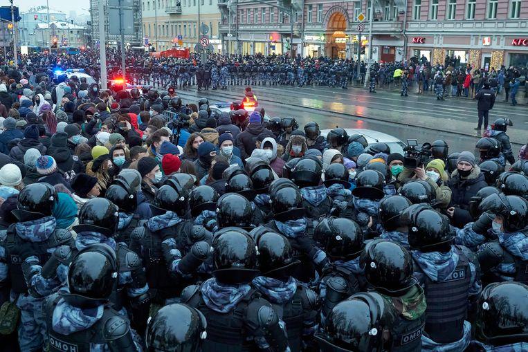 Moskou zondag. Demonstranten lieten zich niet ontmoedigen door gewelddadig optreden van Russische ordetroepen. Beeld SOPA Images / LightRocket via Getty