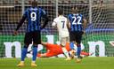 Lukaku ziet Hazard de penalty scoren.