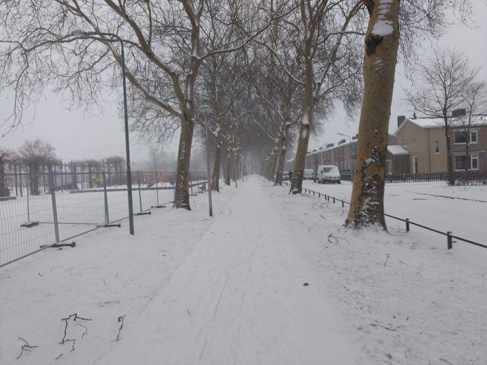 Mooie winterse straat in Nijmegen gespot tijdens een echte winterse wandeling door Gerben Willemse.