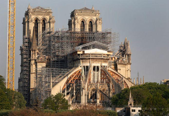 De Notre Dame staat een jaar na de verwoestende brand nog in de steigers.