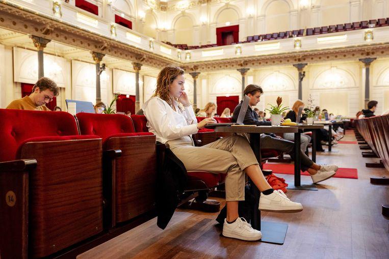 Studeren in de grote zaal van het Concertgebouw. Beeld ANP