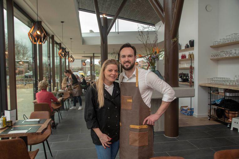Margot Poppeliers en Niels De Maeght zijn de nieuwe uitbaters van Foodbar Margot in Laarne.