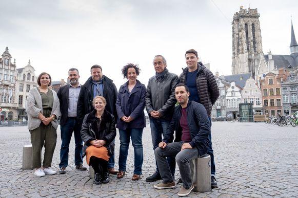 """Organisatoren van """"IFTAR VOOR MANEBLUSSERS op de Mechelse Grote Markt"""