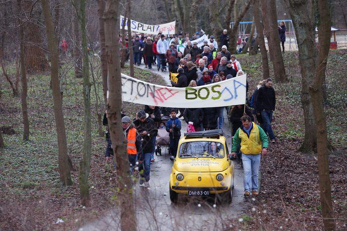 Het grootscheepse protest tegen een Internationaal Park leidde uiteindelijk tot het plan voor een overkluizing van de Prof. Teldersweg.