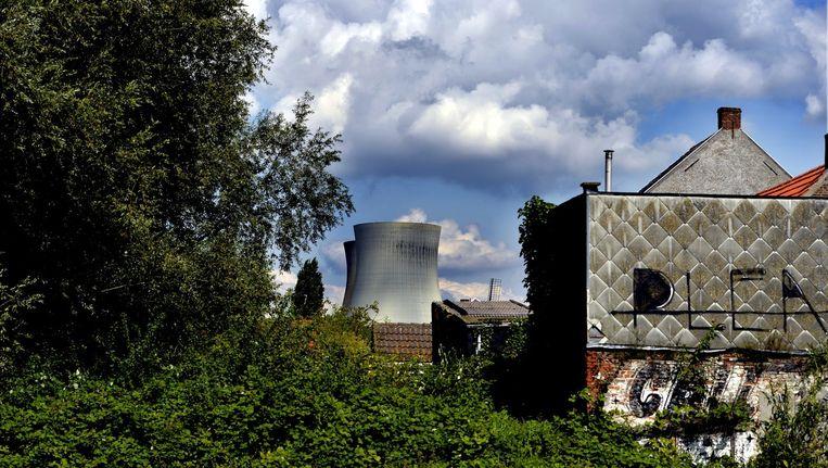 De kerncentrale van Doel bevindt zich vlakbij de Nederlandse grens. Beeld BELGA