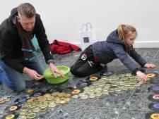 Tapijt voor Vrede in Veldhoven: 'Het is mooi om mensen te verbinden'