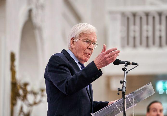 Informateur Herman Tjeenk Willink wijst partijen erop dat de kiezer in het land heel andere problemen heeft dan waar Den Haag nu mee bezig is.