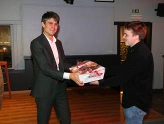 "Vlaams minister Benjamin Dalle (CD&V) bezoekt jeugdclub 'N Westouterik: ""Heel boeiend"""