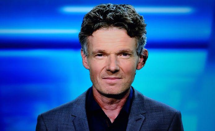 Frank Duboccage presenteert al enkele dagen het weerbericht op VTM met een gehavend oor.