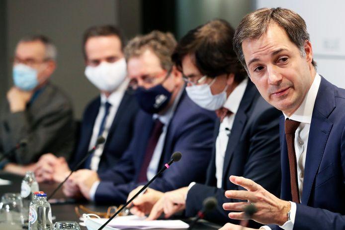 Le Premier ministre De Croo s'exprimant en conférence de presse, mi-décembre, à Bruxelles