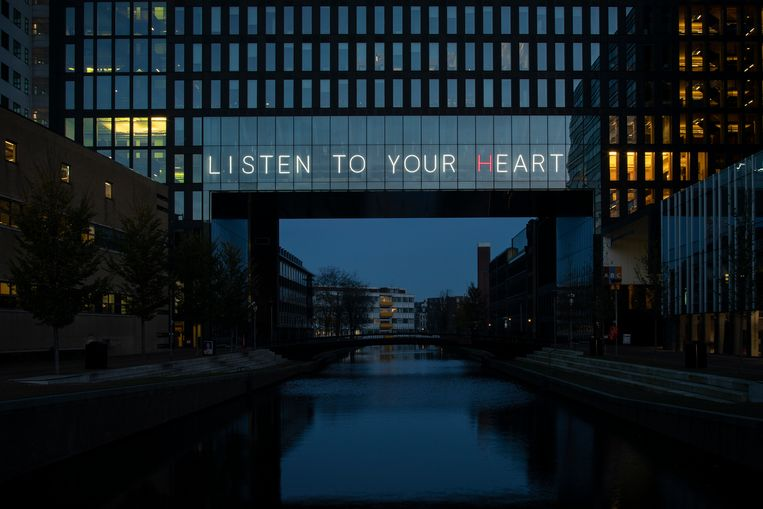 HEART_EARTH.   Beeld JANUS VAN DEN EIJNDEN/ Amsterdam Light Festival