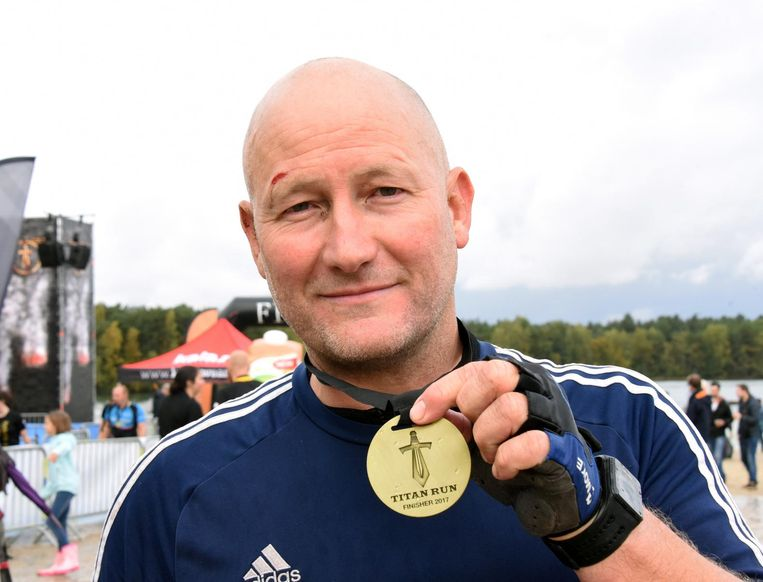 Erwin Takx met medaille.