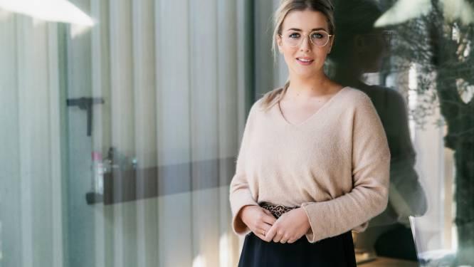 """Laura uit 'Blind Getrouwd' schrijft boek over omgaan met haatreacties: """"Ik werd neergezet als een trut en ben daar zwaar op afgerekend"""""""