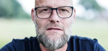 Bebaarde Frank (51) loopt en fietst honderden kilometers langs de Nederlandse grens met andere 'baarden'