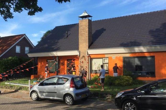 Een woning in de Echternachstraat in Diessen is voor het EK versierd.