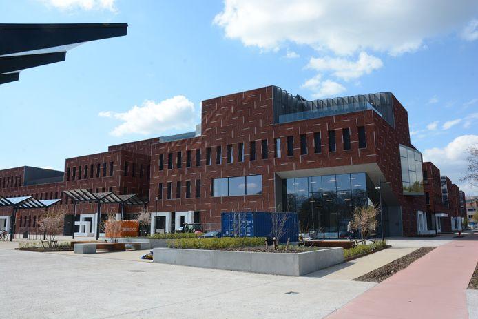 De bouw van het nieuw gemeentehuis was  met  14 miljoen euro het voorbije jaar de grootste slokop op de jaarrekening.