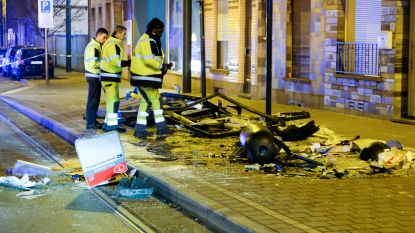 Auto rijdt in op bushokje in Molenbeek: 3 lichtgewonden, inzittenden wagen op de vlucht