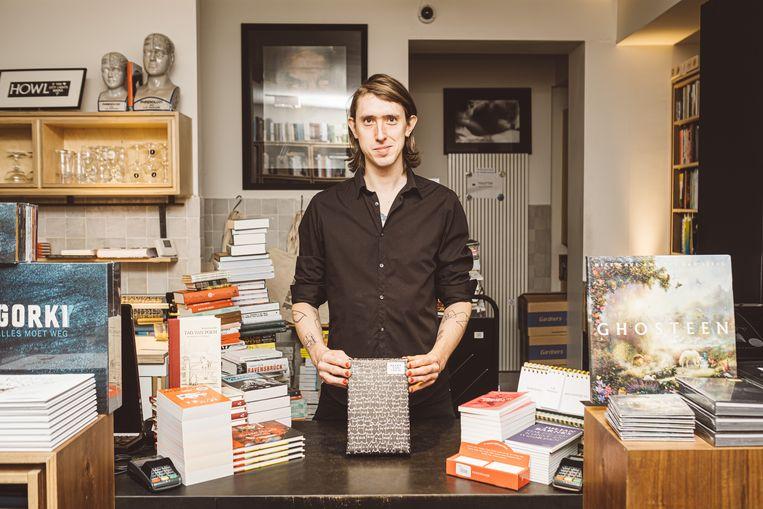 Arno Van Vlierberghe: 'Als ik tijd heb, maak ik er echt werk van. Maar als het druk is ga ik natuurlijk geen origamistukjes maken.'  Beeld Wouter Van Vooren