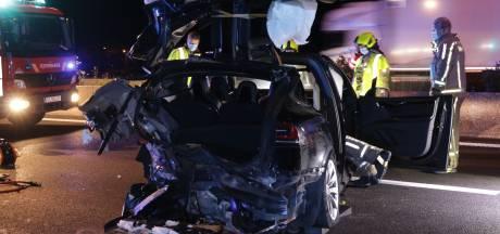 BMW ramt met hoge snelheid Tesla met Nederlanders op Belgische snelweg