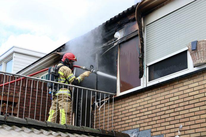 Brand in woning op Schelpenhoek op Urk