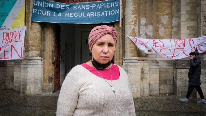 """Waslijst positieve elementen, maar ex-hongerstaker Nezha (52) krijgt negatief advies in strijd voor regularisatie: """"Als het moet, stop ik opnieuw met eten"""""""