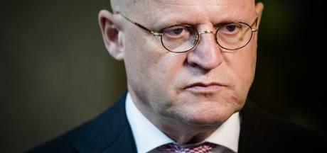 Minister Grapperhaus fel: 'Relschoppers intocht Eindhoven aanpakken'