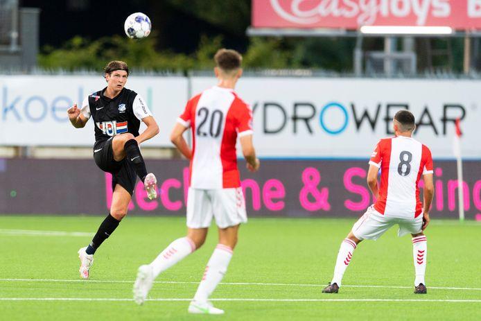 Maarten Peijnenburg vorige week in actie namens FC Eindhoven tegen FC Emmen (0-1 winst)