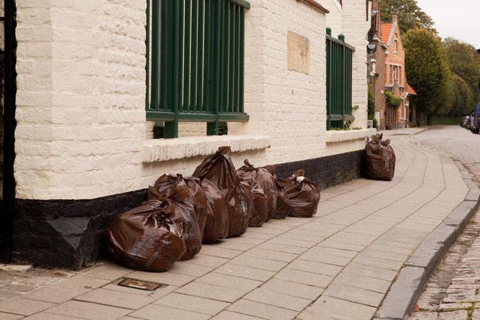 De man maakte vooral vuilniszakken buit bij Colruyt. (illustratiebeeld)