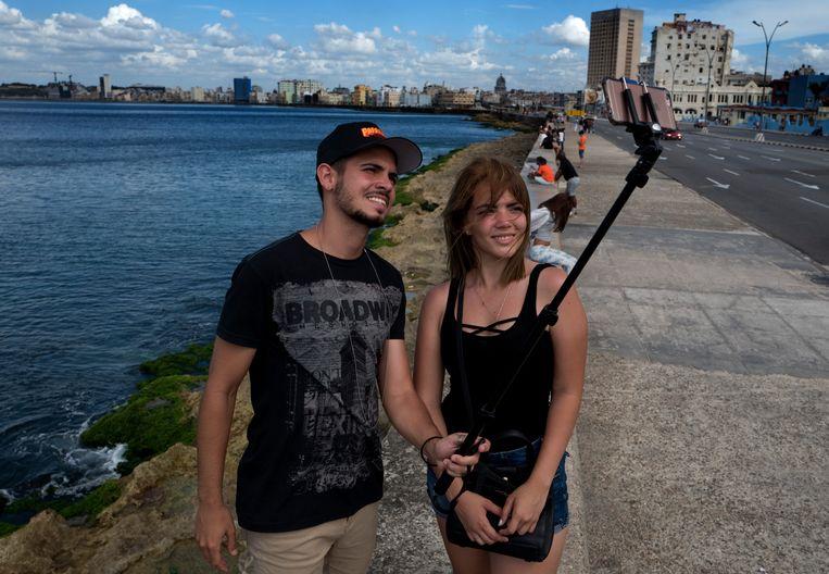 YouTubers Pedro Veitia en Anabell Vigo. Beeld Eliana Aponte
