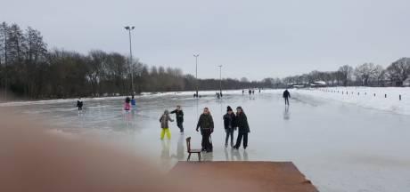 Voor de állerlaatste keer schaatsen, op deze Achterhoekse ijsbanen kan het nog: 'Het ijs is nog mooi'