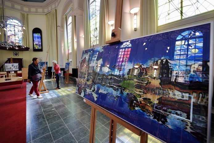 Archieffoto van de Expositie Van Gogh leeft in de Van Goghkerk in Etten-Leur. Van Gogh Sites NV heeft de kerk van de gemeente gekocht en gaat het gebouw exploiteren en beheren.