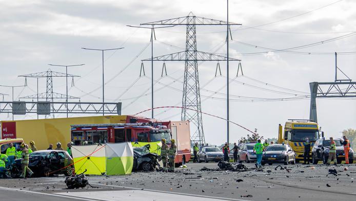 Chaos op de A2 na het ongeval bij Breukelen, afgelopen donderdagmiddag.