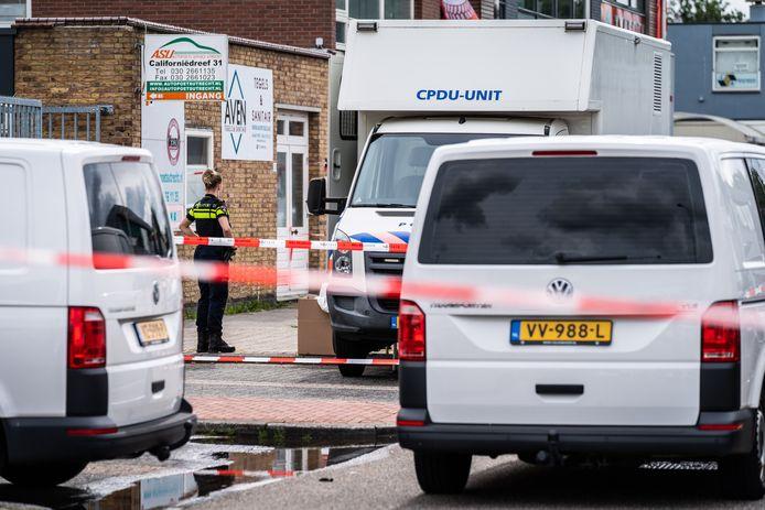 In het bedrijfspand aan de Californiëdreef in Utrecht kwam een 29-jarige man om het leven.