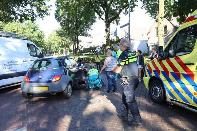 Een scootmobielrijder is gewond geraakt bij een ongeluk in Hapert.