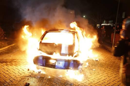 VIjfde autobrand in Veen.
