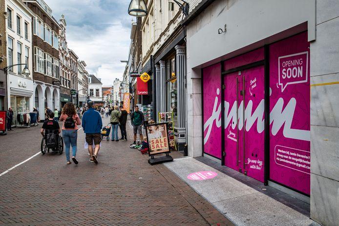 Snoepgigant Jamin keert terug in het Deventer centrum.
