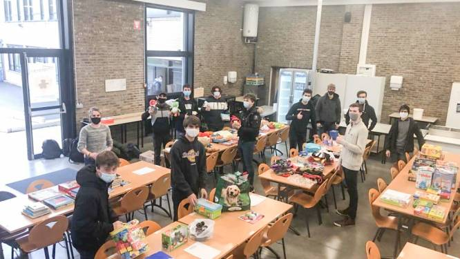 Leerlingen van Bernardustechnicum zamelden massa speelgoed in voor minderbedeelden in Oudenaarde