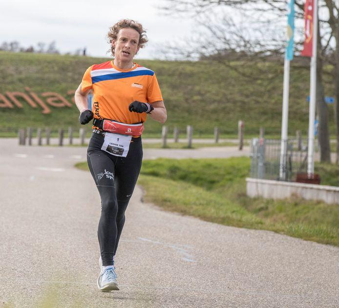 Leonie Ton is de op één na snelste Nederlandse vrouw ooit bij de Spartathlon.