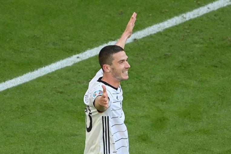 De Duits-Nederlandse Robin Gosens na zijn doelpunt tegen Portugal waarmee hij Duitsland zaterdag op 4-1 bracht. Beeld AP