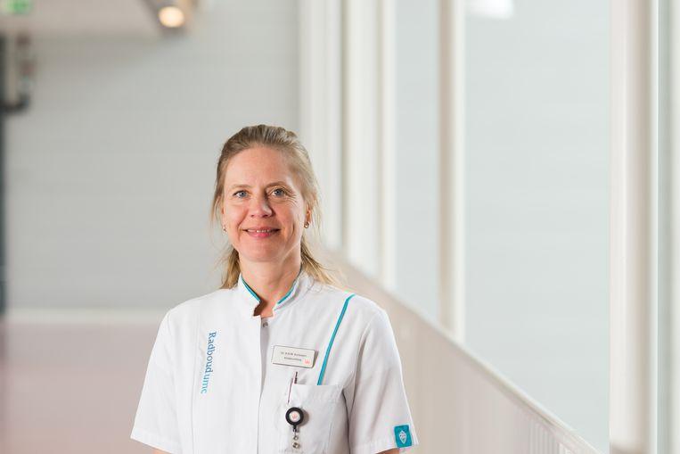 Kinderuroloog Barbara Kortmann opereert intersekse kinderen.  Beeld Radboudumc