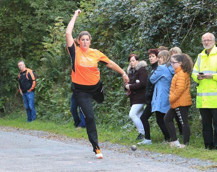 Silke Tulk doet komend weekeinde in Ierland mee een bijzondere klootschietwedstrijd.
