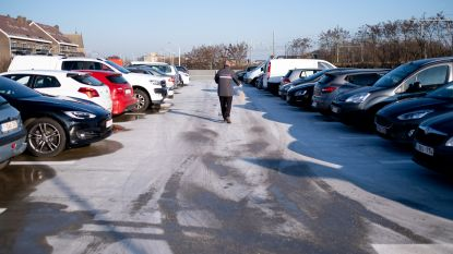 Auto's botsen op parking