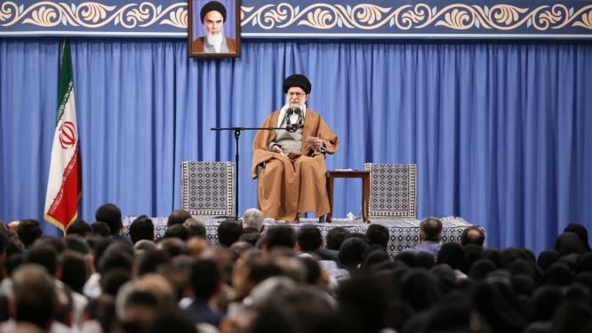 Leider Iran ontkent betrokkenheid bij rel voor ambassade VS in Bagdad