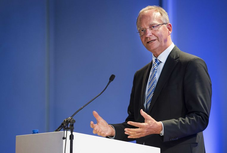 VVD-coryfee Henk Kamp gaat voorlopig het ministerie van Defensie leiden. Beeld ANP