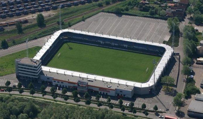 Oude luchtfoto van het stadion op de Borchwerf.