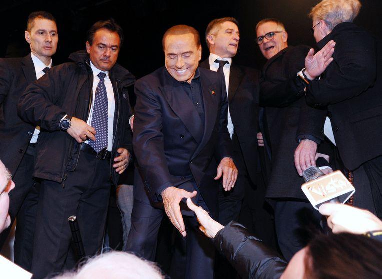In deze verkiezingscampagne steelt een mediamagnaat van 81 de show: Silvio Berlusconi lijkt zijn grote centrum-rechtse partij voor de zoveelste keer naar een verkiezingsoverwinning te leiden. Beeld Photo News