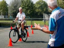 Gorcumers leren op parcours omgaan met e-bike: 'De snelheid wordt onderschat'