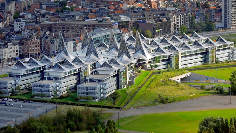 Het Antwerps justitiepaleis, bijgenaamd het Vlinderpaleis. Beeld BELGA