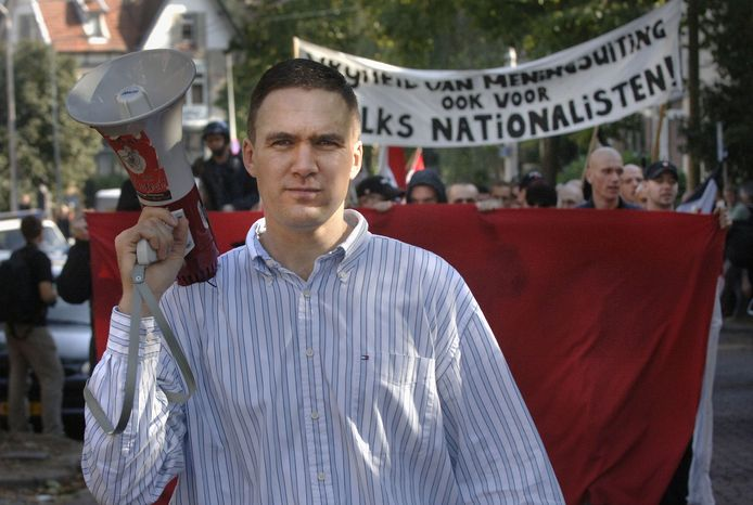 Constant Kusters en zijn NVU tijdens een demonstratie in Arnhem.